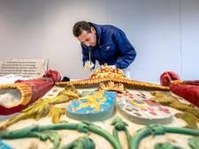 Gestolen koninklijk wapenschild terug aan gevel Villa van Waning