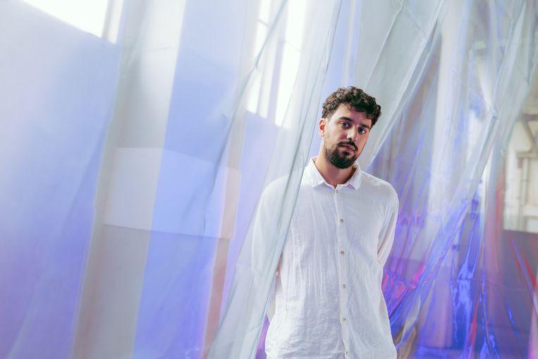 Einder: een enorm kinetisch doek dat beweegt in samenspel met muziek. Beeld TIMBUITING