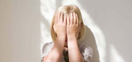 Une fillette de 3 ans disparaît lors d'une partie de cache-cache avec sa mère dans l'appartement familial: que s'est-il passé?