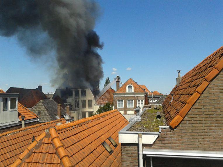 Rookontwikkeling in de binnenstad van Zwolle. © Steven van der Kolk Beeld