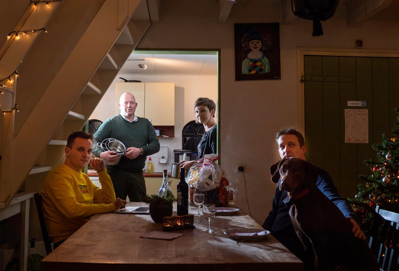 Een deel van het team van `Kerst met een Missie`. Vlnr: Jan Lowin IJzerman, Zwier vd Weerd, Marjolein Tuinman en Jan Pieter Tuinman.