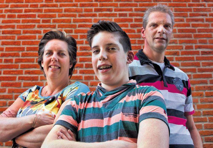 Patrick en zijn ouders Evelien en Marcel wachten de uitspraak van de rechter vandaag in spanning af