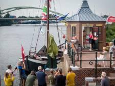 Hasselt dankt monument voor verdwenen brug aan magneetvissers