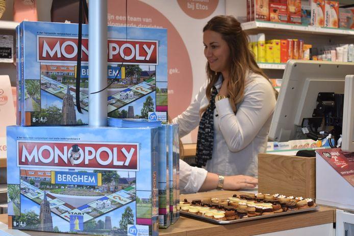 In de Etos staan de Monopoly-speldozen al klaar. Zowel bij Etos als Albert Heijn in Berghem kunnen de klanten ervoor sparen.