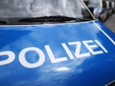 Duitse politie sluit wegen af: wagens staan dwars op de weg