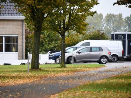 Mogelijk fraude met Covid-subsidies en PGB's, politie doet grootscheepse inval in Hulst en Clinge