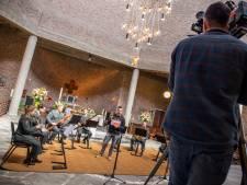 Televisie-opnames voor herdenkingsconcert Slag om de Grebbeberg in de Gedachteniskerk