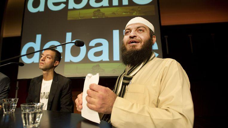 De komst van de omstreden Britse imam Haitham al-Haddad leidt steevast tot ophef. Hij bepleit de doodstraf voor overspeligen en noemde joden ooit 'de afstammelingen van apen en varkens'. Beeld anp