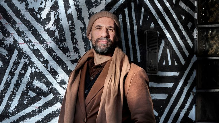 Abdelkader Benali. Beeld Mark Kohn
