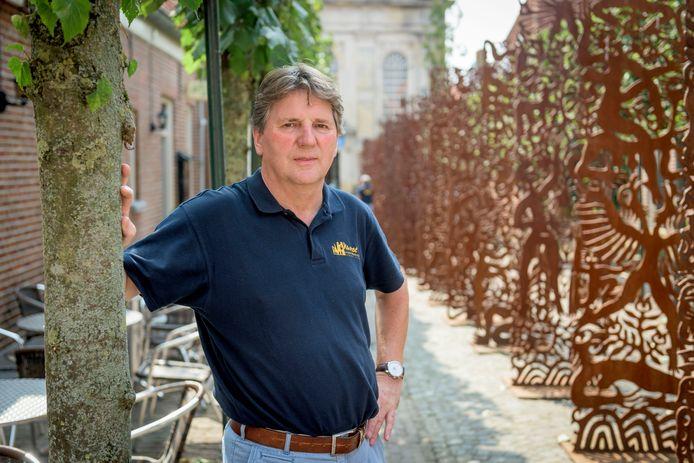 Voorzitter Frans Bolscher van de organisatie Klaverblad die de avondvierdaagse in Ootmarsum organiseert.