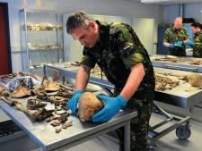 Hoe identificeer je een gesneuvelde soldaat 77 jaar na de Slag om Arnhem? 'Het is een kwestie van research en geluk'