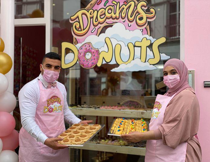 Yassine en Chaimae van Dreams Donuts in de Brabantdam.