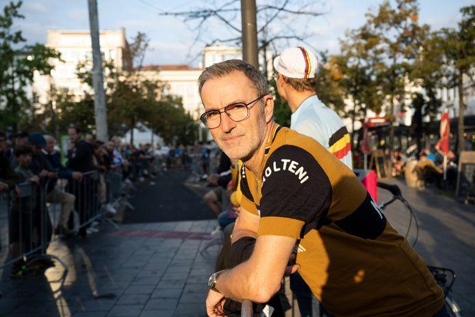Bart Hellemans uit Kontich, getooid in de iconische Molteni-trui van Eddy Merckx' gloriedagen. Ook hij tipt op van Aert.