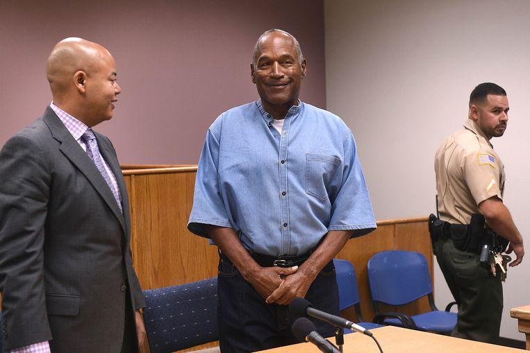Een glimlachende O.J.,twee maanden terug op een hoorzitting over de voorwaarden voor  zijn invrijheidstelling. Beeld BELGAIMAGE