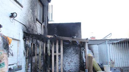 Koppel kan met peuter (1,5) uit nachtelijke brand ontsnappen