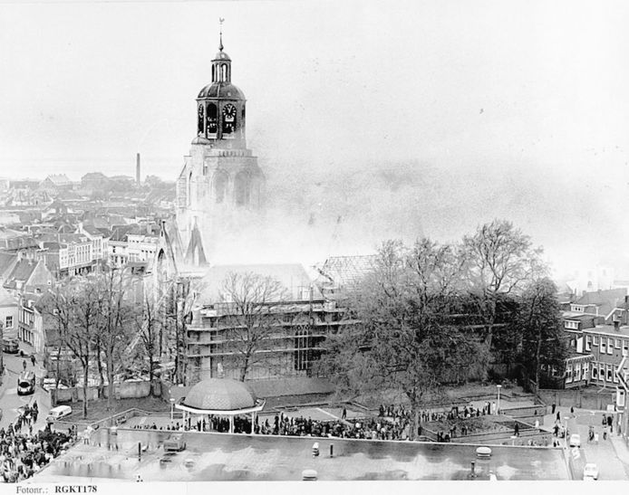 De brand in de Gertrudiskerk in 1972.