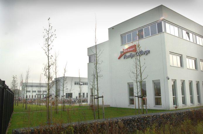 Voorbij de gebouwen van Curio Scala (voorheen Florijn College) aan de Meulenspie in Teteringen ligt een grasveld. Daar waren kantoren voorzien, maar de gemeente Breda wil nu liever dat er appartementen komen.