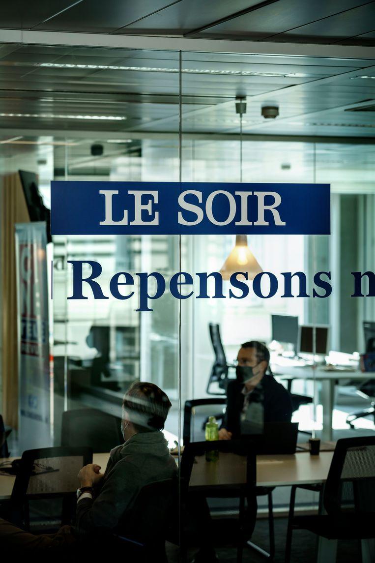 'We hebben zo lang op de Franse media gefocust. We spiegelden ons aan hen op een moment dat ze al lang geen voorbeeld meer waren', zegt Béatrice Delvaux, journalist bij 'Le Soir'. Beeld © Eric de Mildt