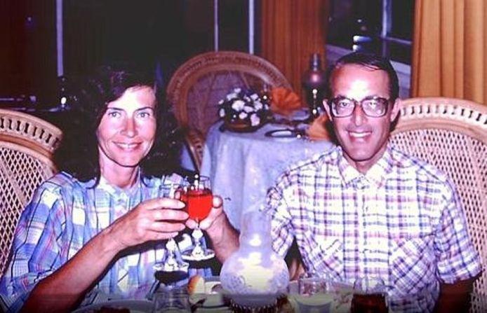 Jerry en Rita Alter zouden achter een grote kunstroof zitten.