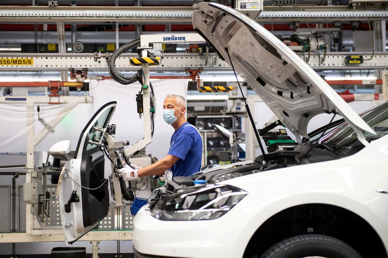 Productielijn van Volkswagen in het Duitse Wolfsburg.