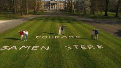 Ook de koning en zijn gezin doen mee aan De Ronde tegen Corona: bekijk hun drone-video.