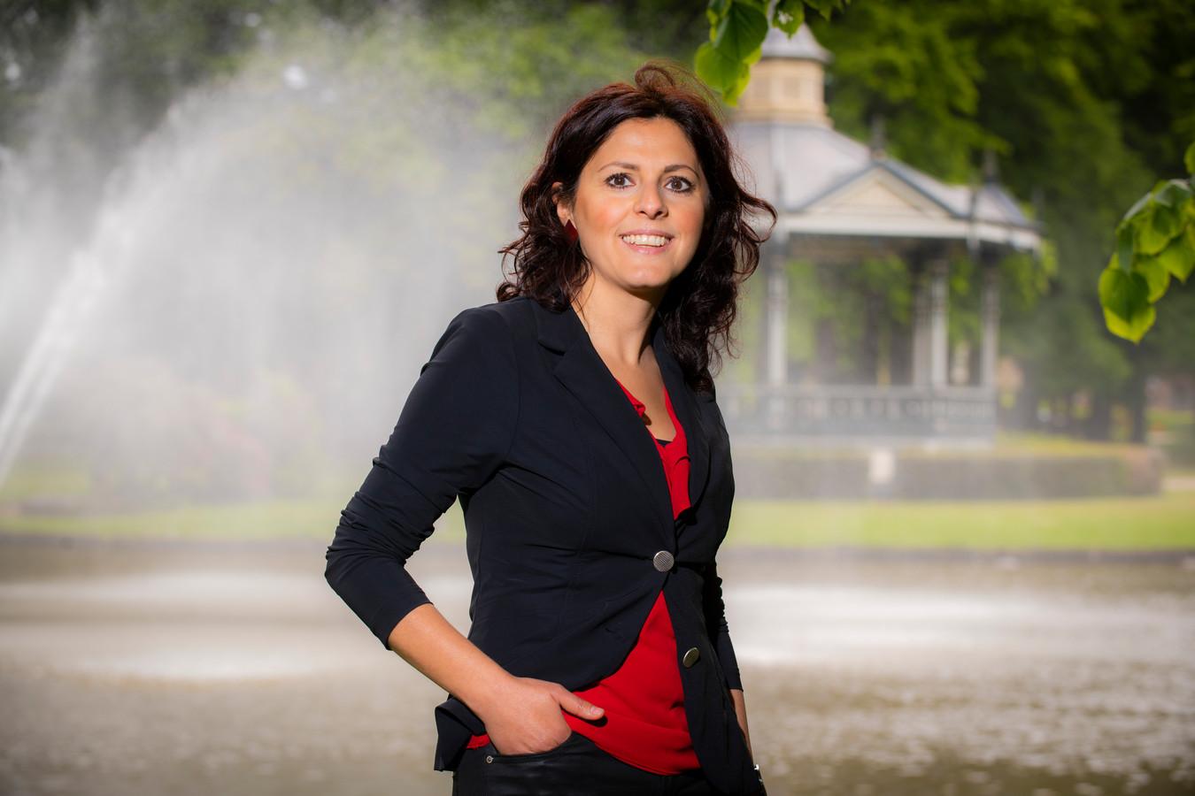 Meri Ismirowa is door de gemeente Apeldoorn aangesteld om burgerinitiatieven te behandelen.
