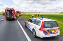Hulpdiensten rukten massaal uit voor een auto in de sloot in Terheijden