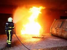 Dixie zorgt voor flinke vlammen achter winkelcentrum in Rijen