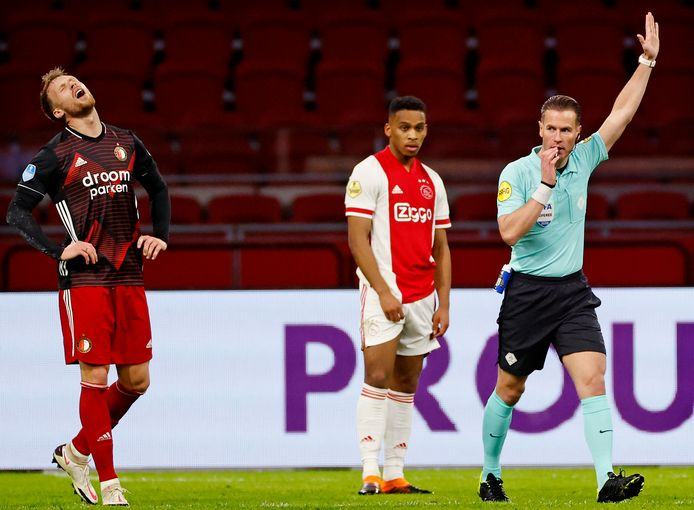 Danny Makkelie floot ook de heenwedstrijd tussen Ajax en Feyenoord.