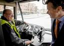 Voormalig staatssecretaris Fred Teeven is sinds kort parttime buschauffeur bij Connexxion.
