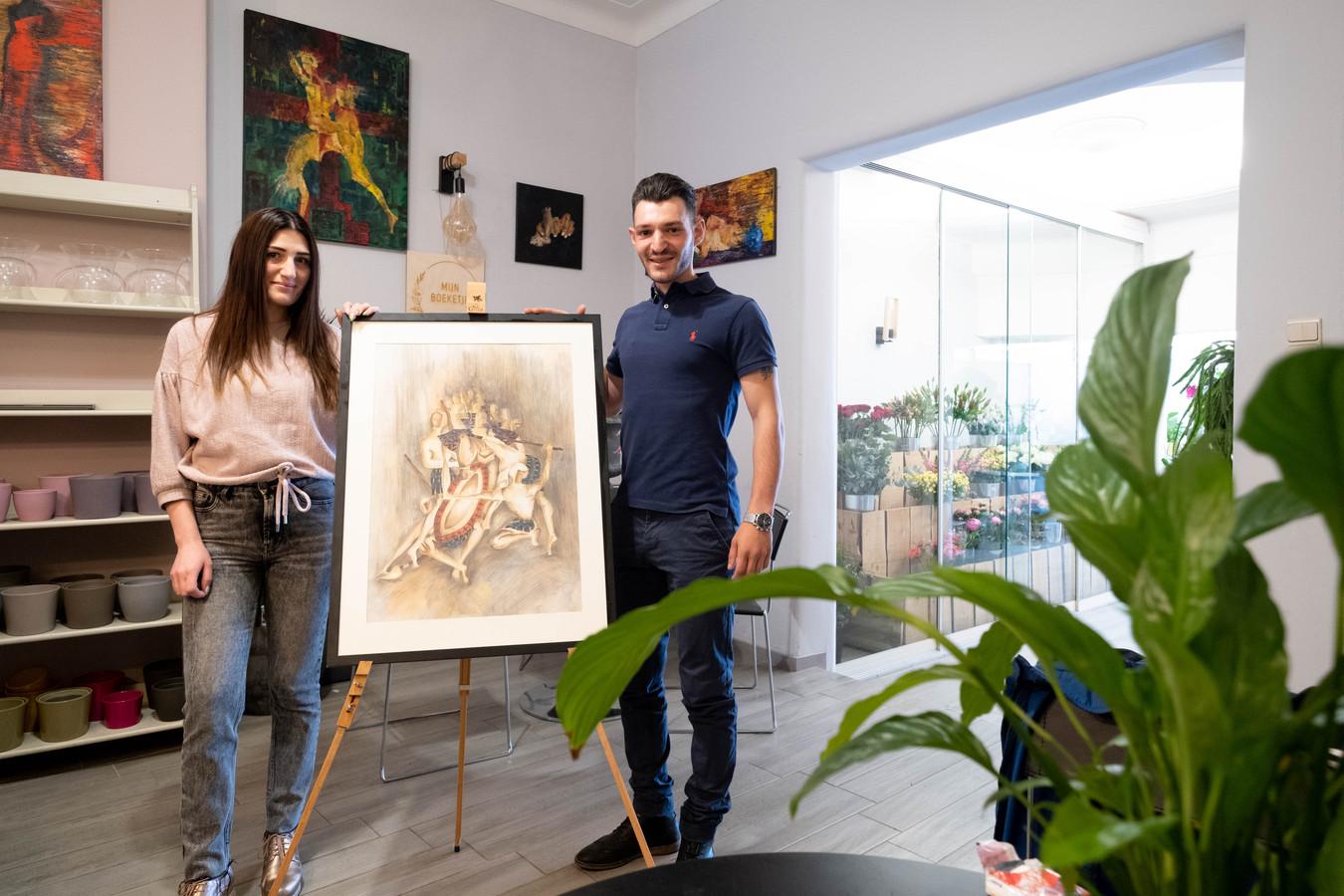 Lusine Muradyan van Mijn Boeketje en stagiair Narek Dekomenyan