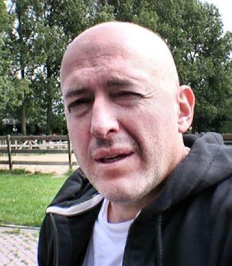 Complotdenker Micha Kat (58) opgepakt in Noord-Ierland vanwege bizarre beschuldigingen
