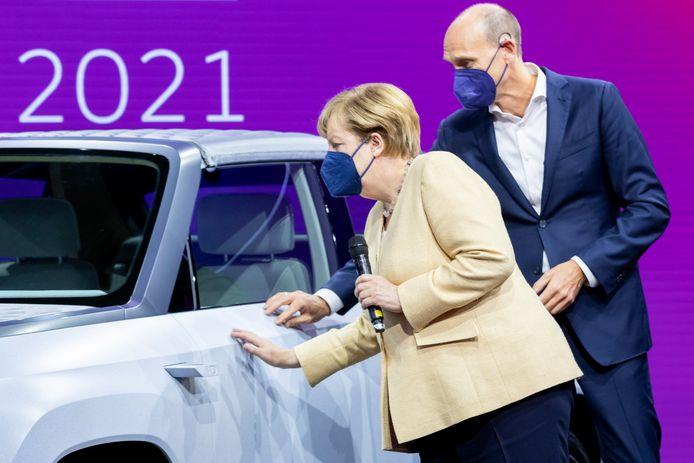 De Duitse bondskanselier Angela Merkel bij de opening van de grote autoshow IAA Mobility in München.