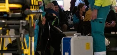 Frontale botsing op de Waal bij Lent, 160 passagiers veilig aan wal