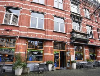 Limburger (56) eet en drinkt hele namiddag in Blauwe Schuit, en dan komt de rekening...