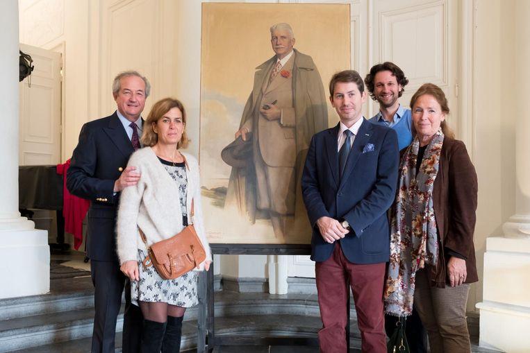 De familie d'Ursel geeft een presidentieel portret van Robert in bruikleen aan het kasteel.