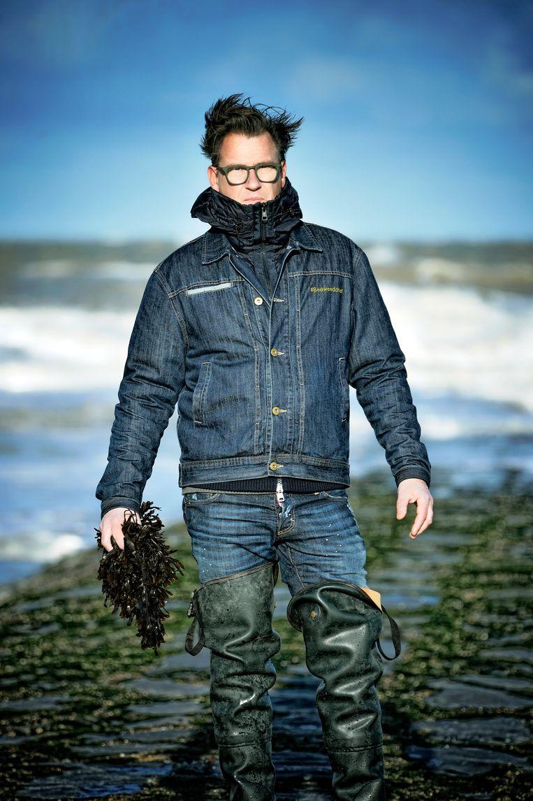 Seaweedchef Donald Deschagt gaat elke week zeewier plukken. Beeld Roos Mestdagh