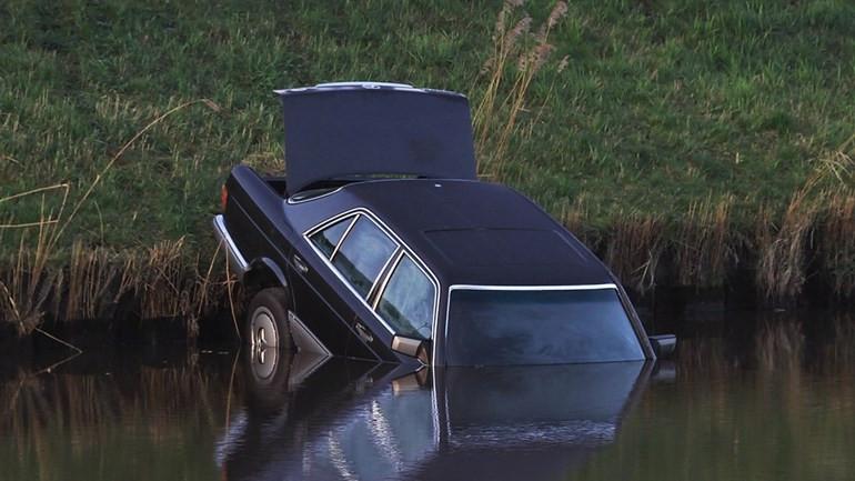De auto waarin in 2017 het lichaam van Ralf Meinema werd gevonden.
