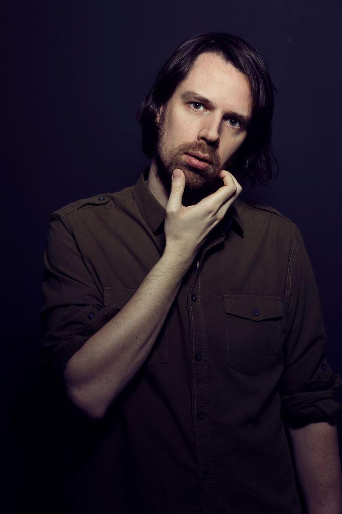 De Hasseltse singer-songwriter Marco Z is na zes jaar radiostilte terug met een gloednieuw album 'Lost Connections'.