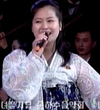 Hyon Song-wol, une chanteuse très populaire en Corée du Nord aurait entretenu une relation amoureuse avec Kim Jong Un il y a une dizaine d'années