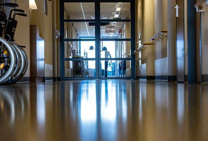 De afdeling hartchirurgie, waar het coronavirus rondwaarde, is nu verlaten.