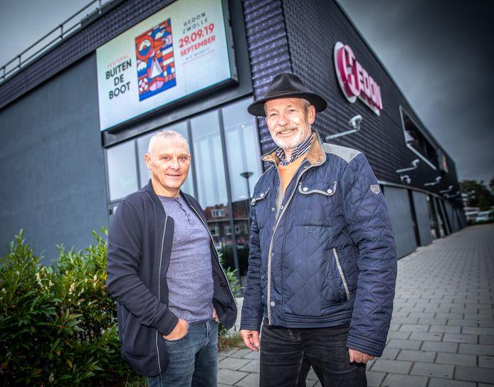 Rudy Spanhak(rechts)en Harm Wolters: de initiatiefnemers van het Buitendebootfestival. Zondag vindt het festival plaats in Hedon.