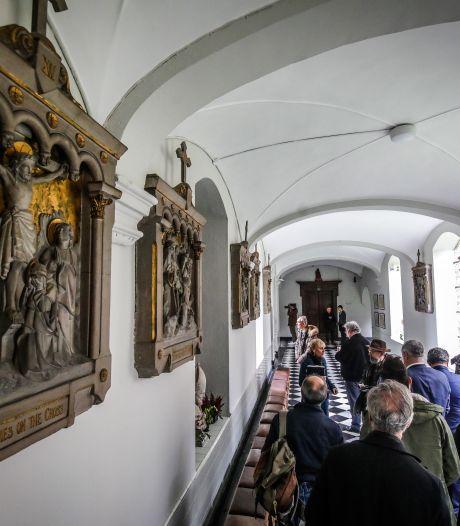 Kuieren in Brugse kloosters kan weer, maar mondkapje is verplicht