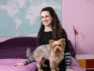 """Jana (25) startte haar eigen bedrijf, maar kan zichzelf amper 1.000 à 1.500 euro netto uitkeren: """"Ik moet meer verdienen als ik op eigen benen wil staan"""""""