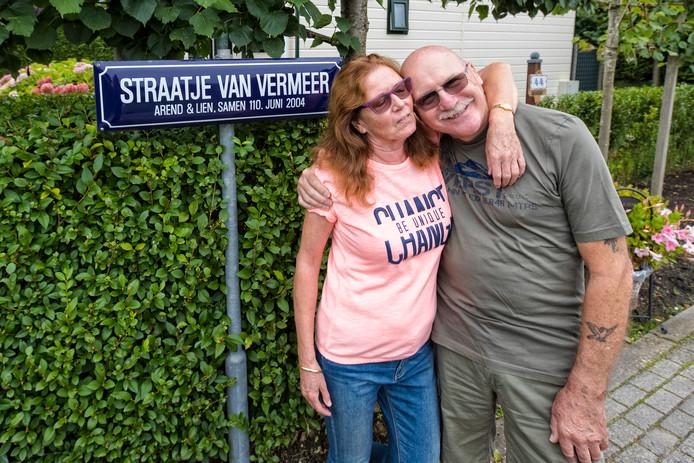 Arend & Lien Vermeer voor hun eigen straatje.