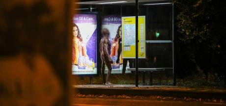 Is naakt over straat lopen eigenlijk wel verboden?