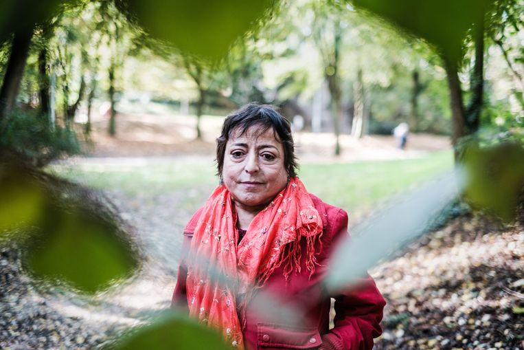 Habiba Temsamani: ''s Zomers een ochtendwandeling, dat is mijn grote genot. Daarna zit ik binnen met de ramen dicht of ik haal het niet.' Beeld BOB VAN MOL
