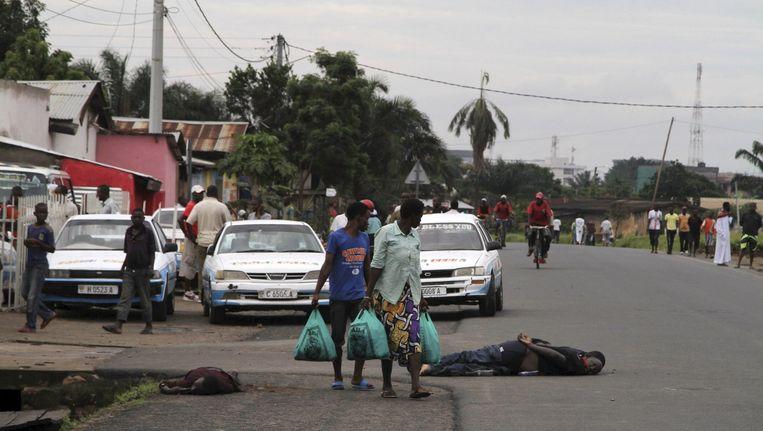 Burundi staat op de rand van een nieuwe burgeroorlog, vrezen internationale waarnemers. Beeld REUTERS