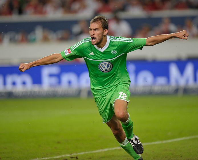 Droomdebuut in de Bundesliga: Dost maakt de winnende in Stuttgart.