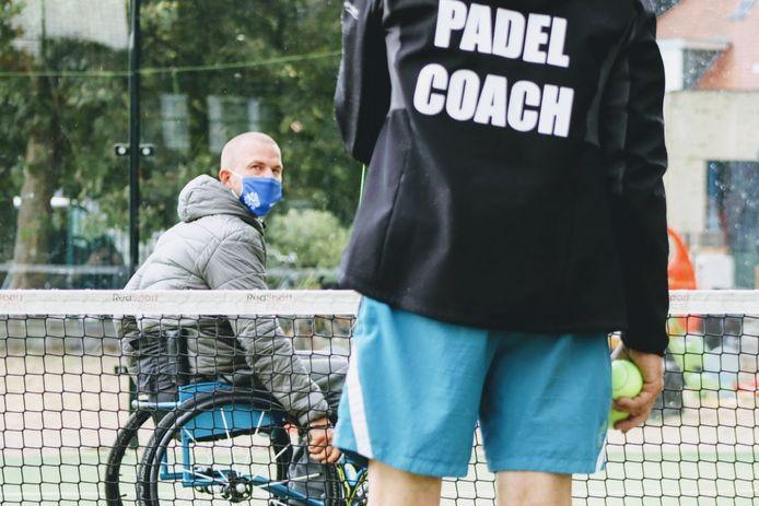 """Deelnemer Ben De Bruyne (links): """"Padel is een van de weinige sporten die validen en andersvaliden samen kunnen spelen."""""""
